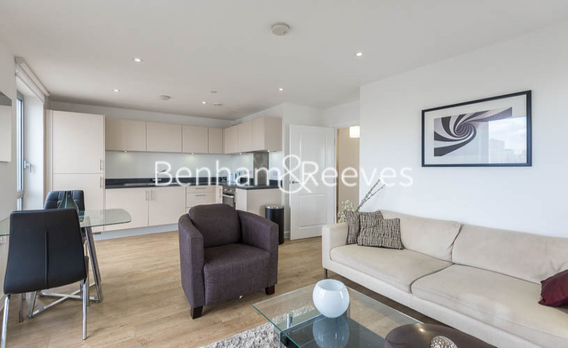 1 bedroom(s) flat to rent in New Festival Avenue, Canary Wharf, E14-image 2