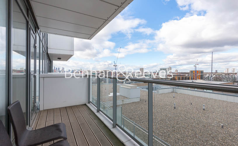 1 bedroom(s) flat to rent in New Festival Avenue, Canary Wharf, E14-image 5