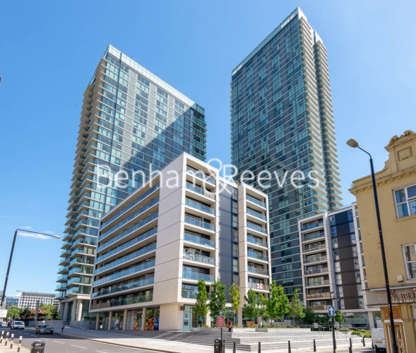 1 bedroom(s) flat to rent in Landmark East Tower, Marsh Wall, E14-image 6