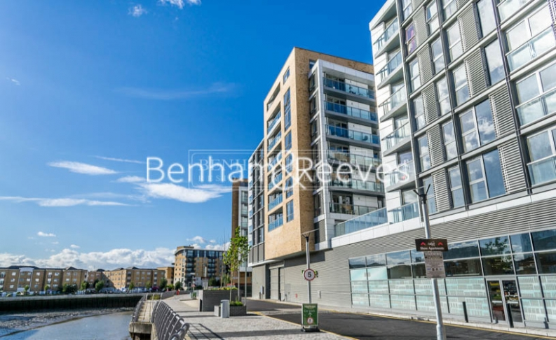 1 bedroom(s) flat to rent in Admirals Tower, New Capital Quay, Greenwich, SE10-image 7