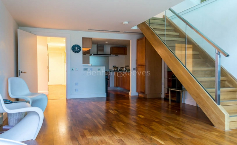 2 bedroom(s) flat to rent in Discovery Dock, Canary Wharf, E14-image 3