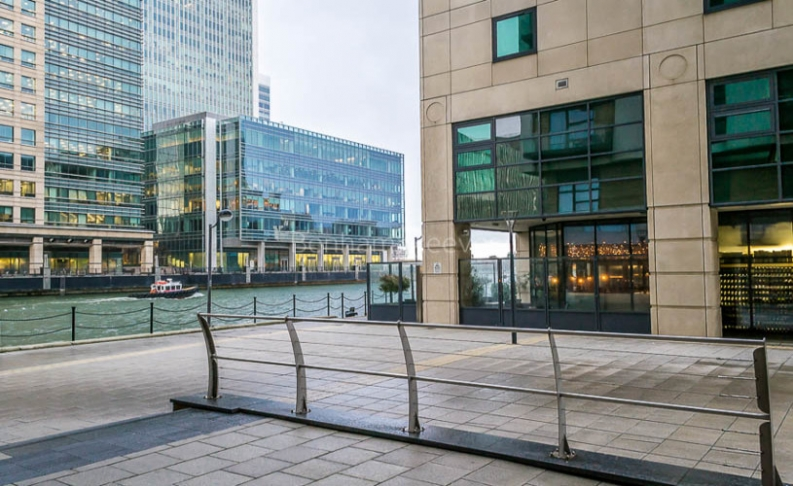 2 bedroom(s) flat to rent in Discovery Dock, Canary Wharf, E14-image 9