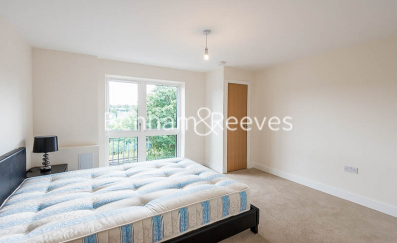 1 bedroom(s) flat to rent in Victoria Way, Fairthorn Road, SE7-image 3