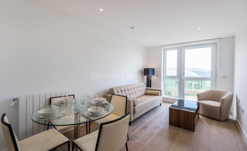Studio flat to rent in Ottley Drive, Canary Wharf, SE3-image 1