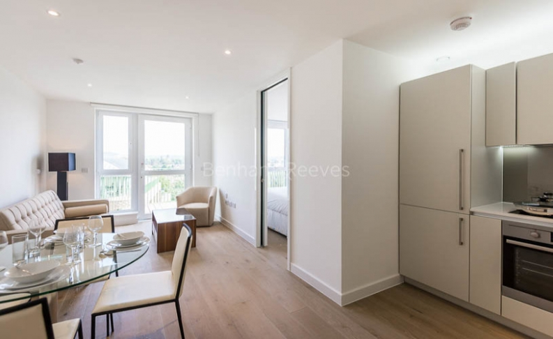 Studio flat to rent in Ottley Drive, Canary Wharf, SE3-image 2