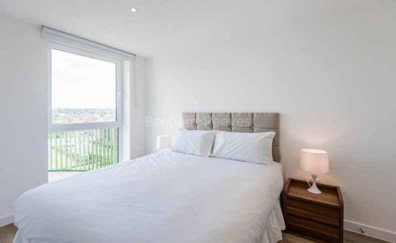Studio flat to rent in Ottley Drive, Canary Wharf, SE3-image 4