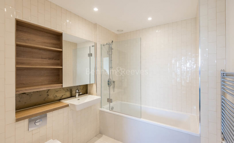 Studio flat to rent in Ottley Drive, Canary Wharf, SE3-image 5