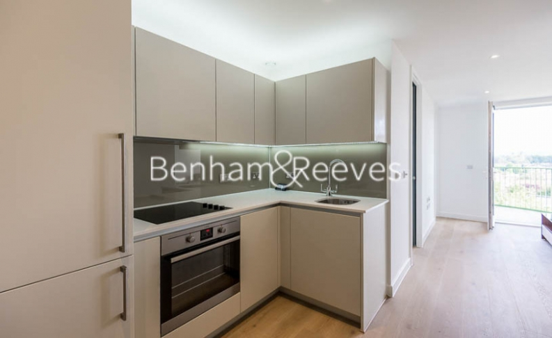 Studio flat to rent in Maltby House, Kidbrooke Village, SE3-image 2