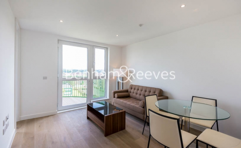 Studio flat to rent in Maltby House, Kidbrooke Village, SE3-image 3