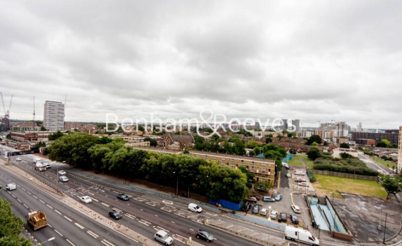 1 bedroom(s) flat to rent in Barking Road, Canning Town, E16-image 7