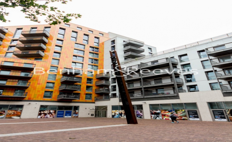 1 bedroom(s) flat to rent in Barking Road, Canning Town, E16-image 8