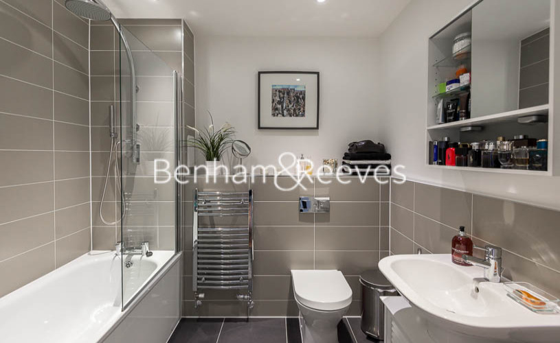 1 bedroom(s) flat to rent in Upper North Street, Canary Wharf, E14-image 5