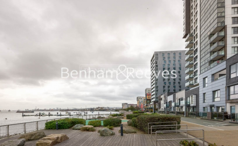 2 bedroom(s) flat to rent in Bessemer Place, North Greenwich, SE10-image 7