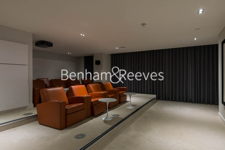 Studio flat to rent in 6 Lincoln Plaza, Canary Wharf, E14-image 7