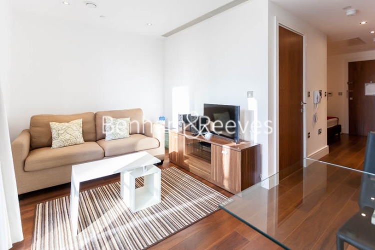Studio flat to rent in 6 Lincoln Plaza, Canary Wharf, E14-image 9