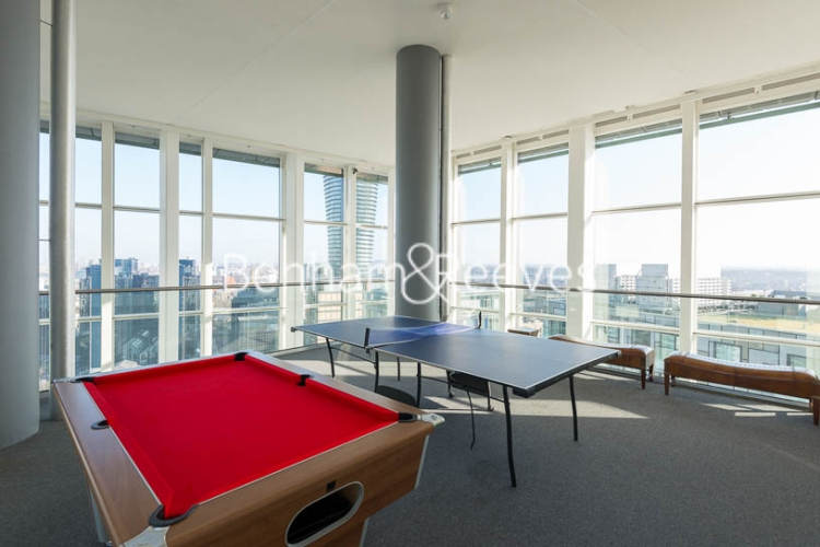 Studio flat to rent in 6 Lincoln Plaza, Canary Wharf, E14-image 13