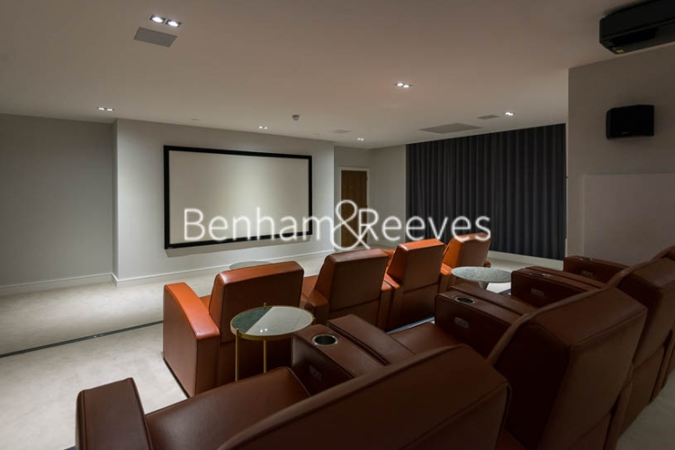 Studio flat to rent in 6 Lincoln Plaza, Canary Wharf, E14-image 14