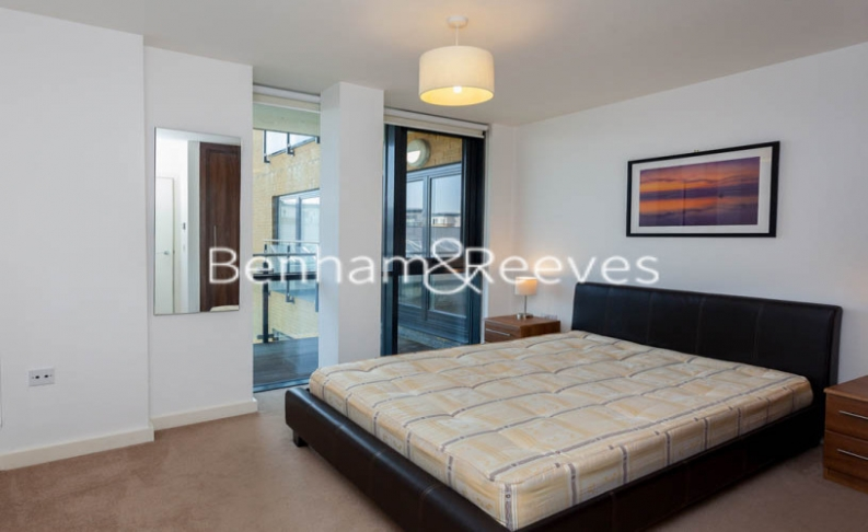 2 bedroom(s) flat to rent in Forge Square, Canary Wharf, E14-image 3