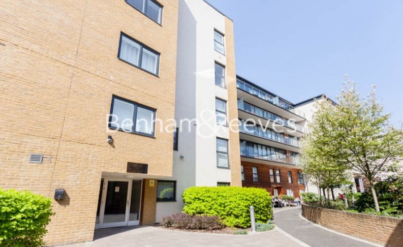 2 bedroom(s) flat to rent in Forge Square, Canary Wharf, E14-image 5