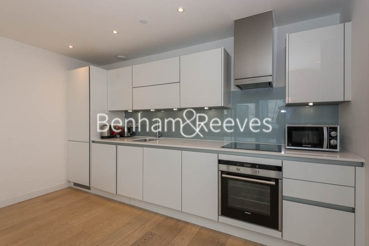3 bedroom(s) flat to rent in Yabsley Street, Canary Wharf, E14-image 2