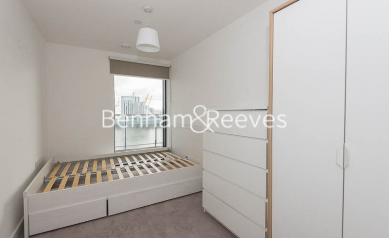 3 bedroom(s) flat to rent in Yabsley Street, Canary Wharf, E14-image 17