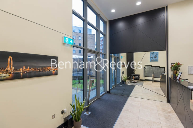 Studio flat to rent in St Anne's Street, Canary Wharf, E14-image 5