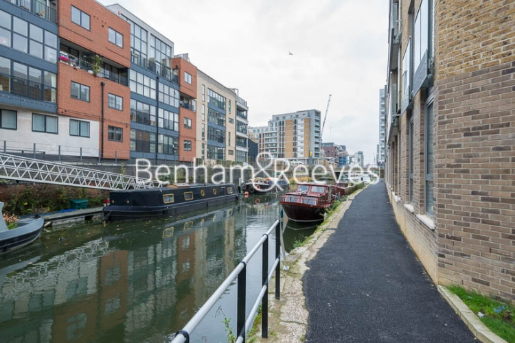 Studio flat to rent in St Anne's Street, Canary Wharf, E14-image 8