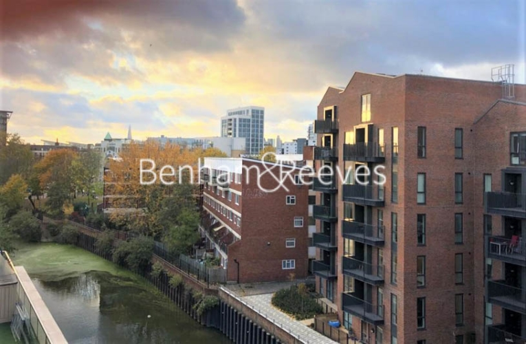 Studio flat to rent in St Anne's Street, Canary Wharf, E14-image 9
