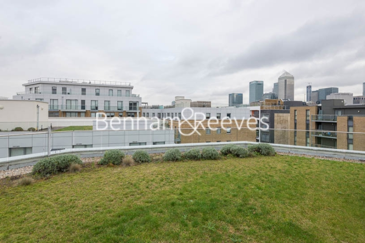 Studio flat to rent in St Anne's Street, Canary Wharf, E14-image 10