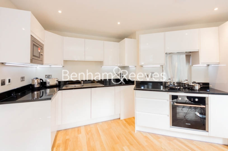 1 bedroom(s) flat to rent in St. Anne's Street, Canary Wharf, E14-image 2