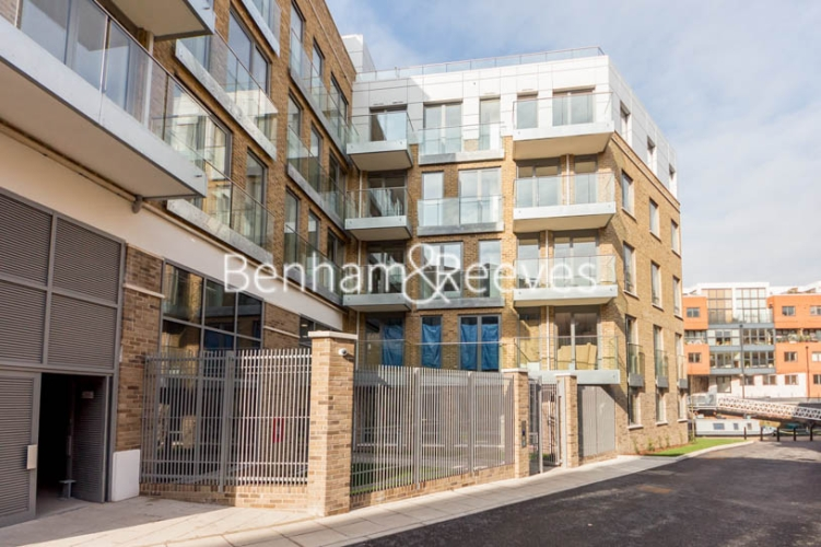 1 bedroom(s) flat to rent in St. Anne's Street, Canary Wharf, E14-image 5