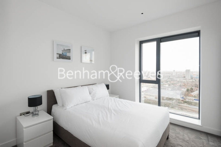 2 bedroom(s) flat to rent in Grantham House, London City Island, Botanic Square, E14-image 3