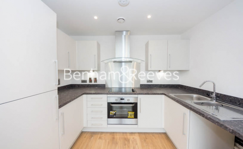 1 bedroom(s) flat to rent in Royal Dockside, Beckton, E16-image 2