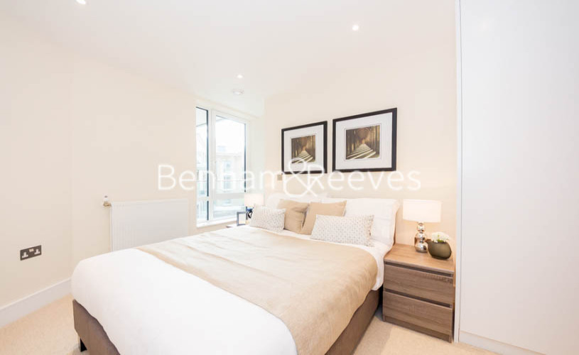 2 bedroom(s) flat to rent in St Annes Street, Canary Wharf, E14-image 2