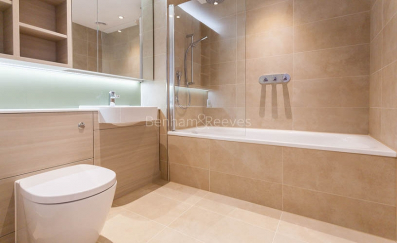 2 bedroom(s) flat to rent in Cassia Point, Glasshouse Gardens, E20-image 6