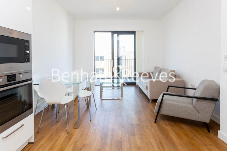 1 bedroom(s) flat to rent in Kingfisher Heights, Pontoon Dock, E16-image 9