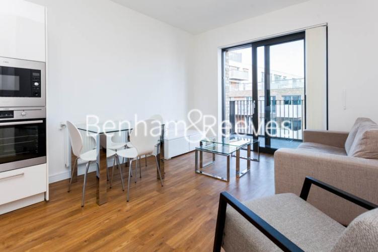 1 bedroom(s) flat to rent in Kingfisher Heights, Pontoon Dock, E16-image 10