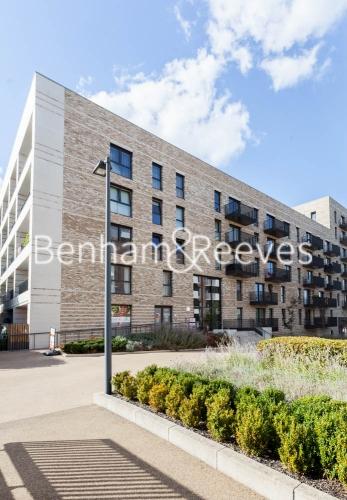 1 bedroom(s) flat to rent in Kingfisher Heights, Pontoon Dock, E16-image 13