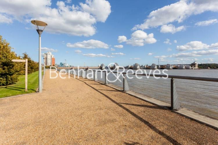 1 bedroom(s) flat to rent in Kingfisher Heights, Pontoon Dock, E16-image 20