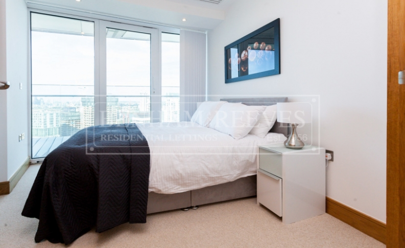 2 bedroom(s) flat to rent in Arena Tower, Canary Wharf, E14-image 5