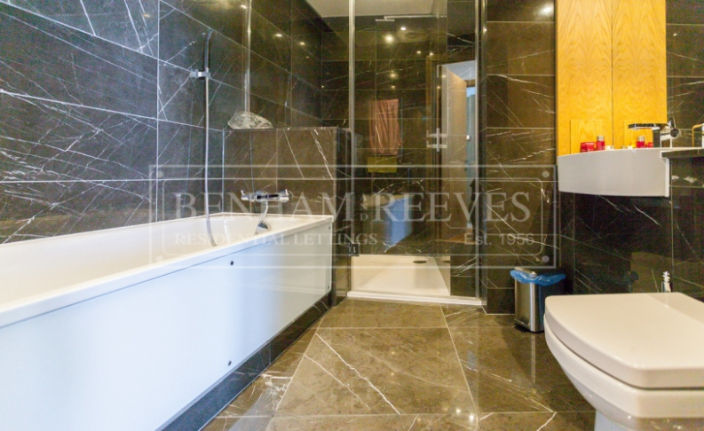 2 bedroom(s) flat to rent in Arena Tower, Canary Wharf, E14-image 7