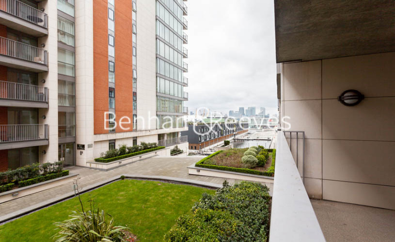 3 bedroom(s) flat to rent in Marmara Apartments, Canary Wharf, E16-image 9