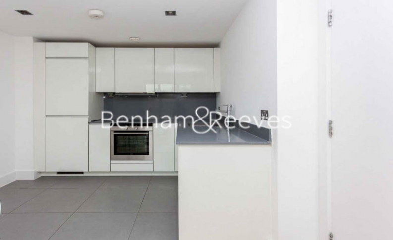 2 bedroom(s) flat to rent in Yeo Street, Canary Wharf, E3-image 2