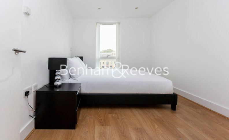 2 bedroom(s) flat to rent in Yeo Street, Canary Wharf, E3-image 4