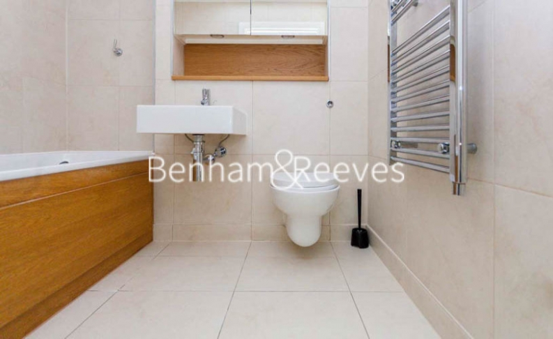 2 bedroom(s) flat to rent in Yeo Street, Canary Wharf, E3-image 5