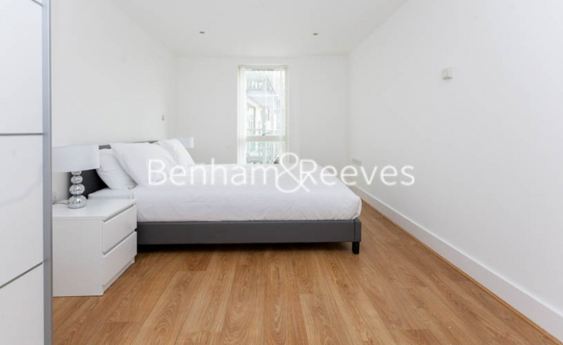2 bedroom(s) flat to rent in Yeo Street, Canary Wharf, E3-image 11