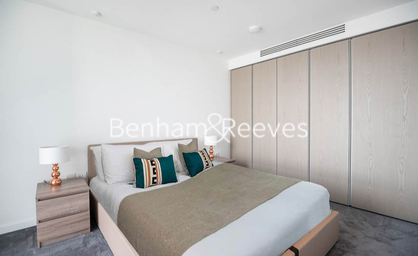 2 bedroom(s) flat to rent in Marsh Wall, Canary Wharf, E14-image 3