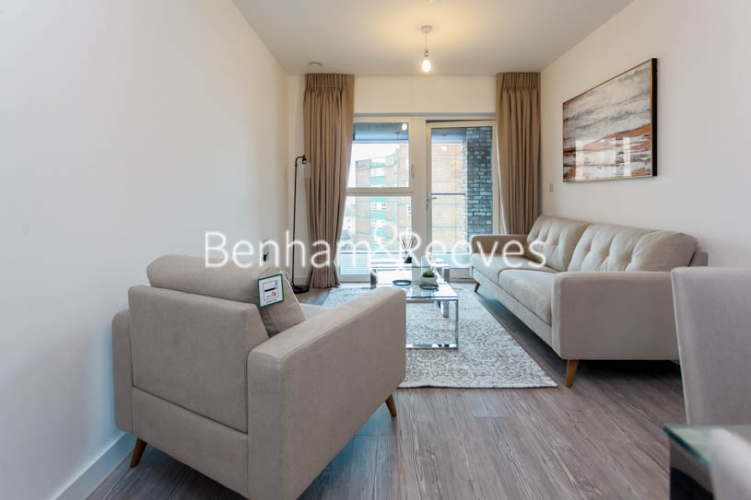 1 bedroom(s) flat to rent in 2 Shipbuilding Way, Canary Wharf E13-image 1
