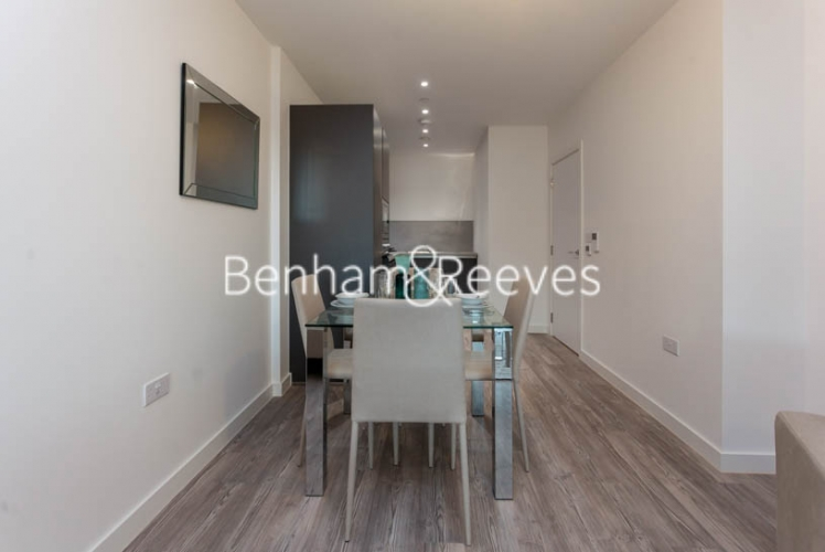 1 bedroom(s) flat to rent in 2 Shipbuilding Way, Canary Wharf E13-image 3