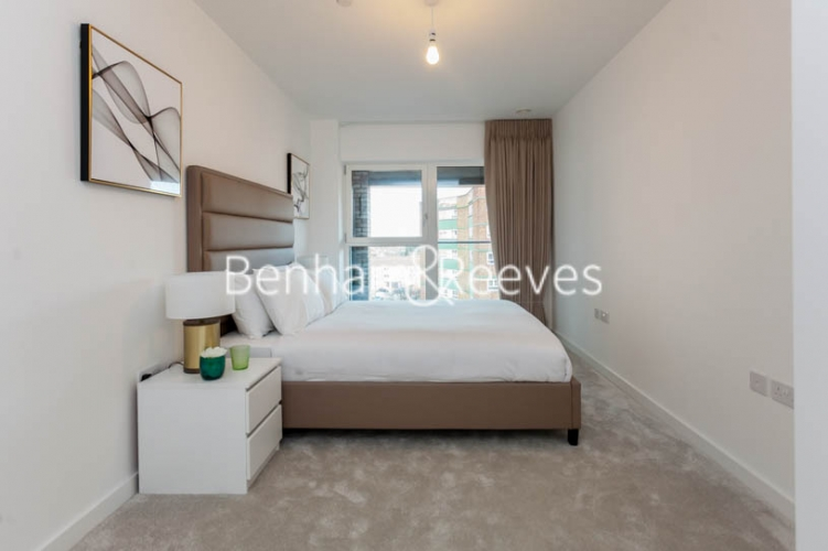 1 bedroom(s) flat to rent in 2 Shipbuilding Way, Canary Wharf E13-image 4